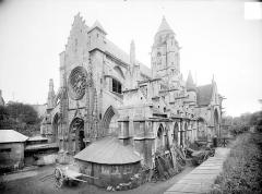 Ancienne église de Saint-Etienne-le-Vieux, actuellement magasin communal - Ensemble sud-ouest
