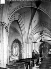 Eglise Saint-Germain - Vue intérieure de la croisée, vers le nord-est
