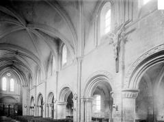 Ancienne église Saint-Gerbold - Vue intérieure de la nef, vers le nord-ouest