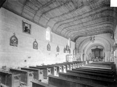 Restes de l'église - Vue intérieure de la nef, vers le nord-est