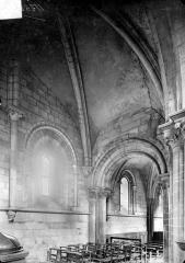 Ancienne église Saint-Gerbold - Vue intérieure du bas-côté nord