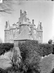 Château de Montmort - Ensemble sud-ouest