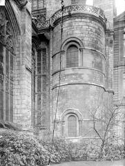 Eglise Saint-Ouen et Chambre des Clercs - Tour romane à l'est