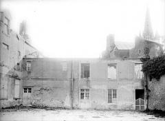 Château - Cour intérieure : Aile droite