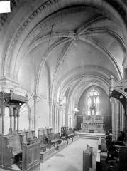 Eglise - Vue intérieure du chœur
