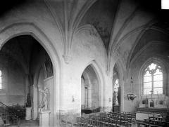 Eglise - Vue intérieure de la nef et du transept nord, vers le nord-est