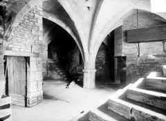 Château et ses dépendances - Cave