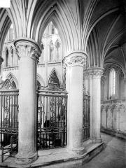 Eglise de Norrey-en-Bessin - Vue intérieure du déambulatoire