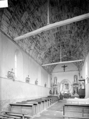 Eglise - Vue intérieure de la nef, vers le nord-est