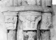 Eglise - Chapiteaux historiés