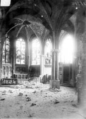 Eglise Saint-Jacques - Vue intérieure après le bombardement de 1915