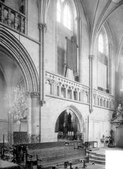 Ancienne église Saint-Gerbold - Vue intérieur du choeur, côté nord
