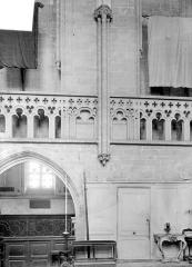 Ancienne église Saint-Gerbold - Vue intérieur du choeur, côté nord (détail)
