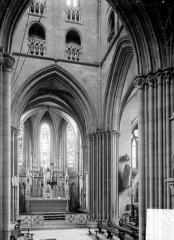 Eglise - Vue intérieure de la croisée et du chœur