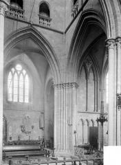 Eglise - Vue intérieure de la croisée
