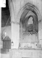 Eglise de Norrey-en-Bessin - Vue intérieure du transept et du chœur