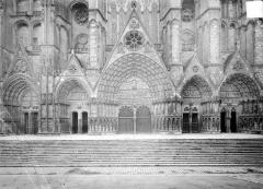 Cathédrale Saint-Etienne - Façade ouest : les cinq portails