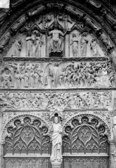 Cathédrale Saint-Etienne - Portail central de la façade ouest : tympan