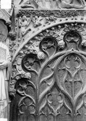 Cathédrale Saint-Etienne - Portail central de la façade ouest : arc de droite, partie gauche