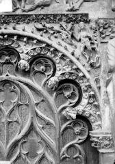 Cathédrale Saint-Etienne - Portail central de la façade ouest : arc de droite, partie droite