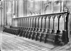 Cathédrale Saint-Pierre - Stalles : vue d'ensemble