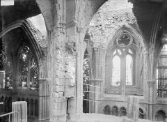 Cathédrale Notre-Dame - Vue intérieure du choeur : première travée
