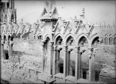Cathédrale Notre-Dame - Façade sud : galerie haute