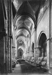 Eglise Saint-Philibert - Vue intérieure de la nef, vers le choeur