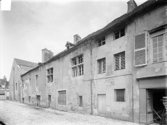 Abbaye de Clairvaux - Cellier : façade sud