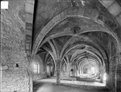 Abbaye de Clairvaux - Cellier, bâtiment principal : salle du premier étage