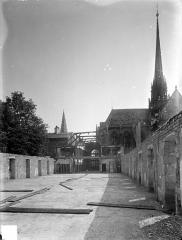 Ancienne abbaye Saint-Bénigne - Dortoir des moines bénédictins : étage supérieur découvert