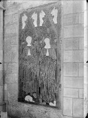 Cathédrale Saint-Etienne - Pierre tombale à double effigie