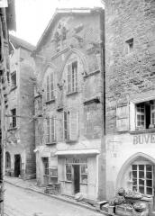 Maison du 13e siècle dite Maison des Loups -