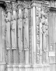 Cathédrale Notre-Dame - Façade ouest, ébrasements de la porte centrale et de la porte de droite