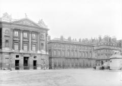 Ancien hôtel Saint-Florentin, puis hôtel de Talleyrand, actuellement consulat des Etats-Unis -