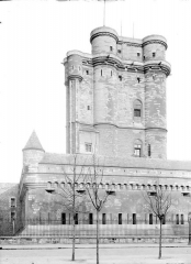 Château de Vincennes et ses abords - Donjon, côté ouest