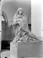 Hospice Sainte-Anne - Chapelle Sainte-Anne : Monument et statue funéraire de Georges Joly