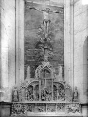 Eglise Saint-Pierre-Saint-Paul - Retable et crucifix
