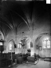 Eglise à l'exclusion de la façade et du clocher - Vue intérieure du choeur et de la nef, vers le nord-ouest
