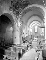 Eglise Saint-Jean-l'Evangéliste - Vue intérieure de la nef vers le sud-ouest