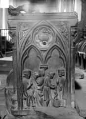Eglise Saint-Jean-l'Evangéliste - Stalles du choeur (détail)