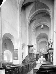Eglise Saint-Vorles - Vue intérieure de la nef vers le choeur