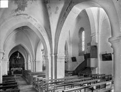 Eglise - Vue intérieure de la nef et du bas-côté sud vers le sud-est