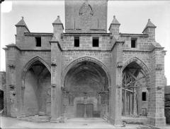 Eglise - Façade ouest : porche