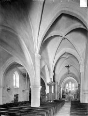 Eglise - Vue intérieure de la nef et du bas-côté nord, vers le nord-est