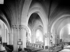 Eglise - Bas-côté sud et nef, vue diagonale