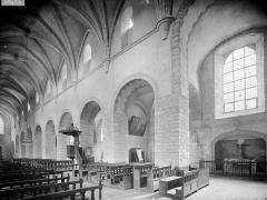Ancienne abbaye - Vue intérieure du transept nord et de la nef