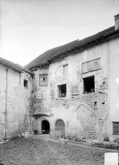 Ancienne abbaye - Cloître : Angle sud-ouest (détail)