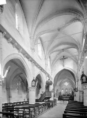Eglise Notre-Dame des Ardents ou Saint-Christophe - Vue intérieure de la nef, vers le nord-est