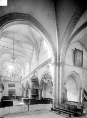 Eglise Notre-Dame des Ardents ou Saint-Christophe - Vue intérieure de la nef, vers le nord-ouest